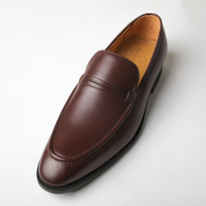 Giày lười penny loafer nam màu nâu bò độc đáo F020141